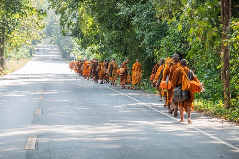 Mönch auf pilgrimag stockfotografie