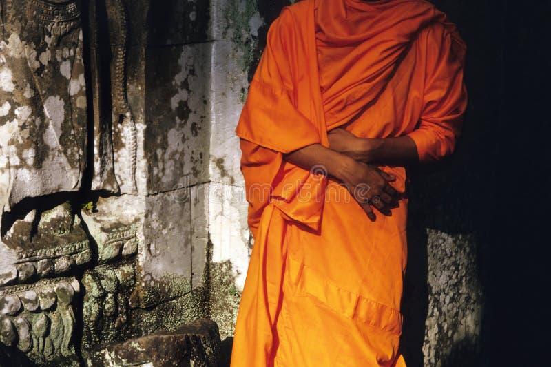 Mönch Preah Khan Tempel Angkor Wat an den Ruinen stockfotos