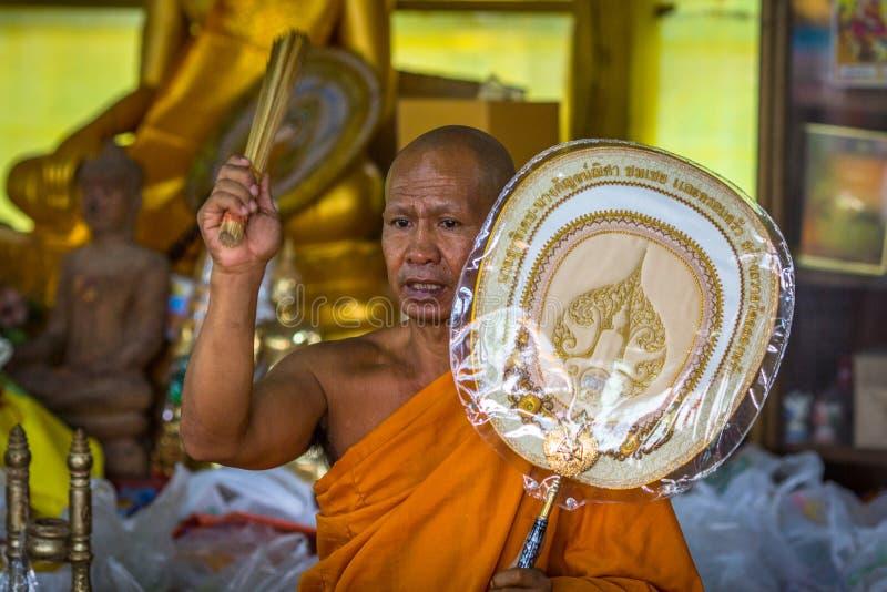 Mönch während der Feier von Tag Makha Bucha stockbild