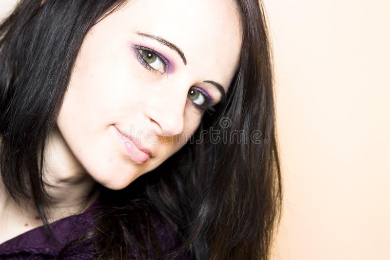 mörk haired kvinna royaltyfri fotografi
