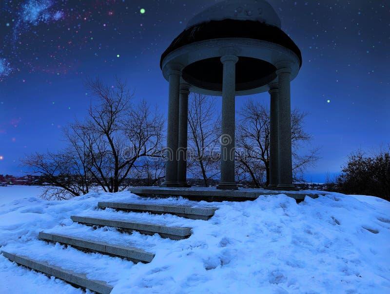 mörk natt fotografering för bildbyråer