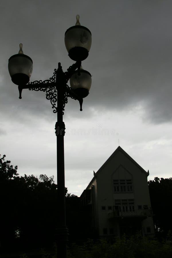 mörk sky royaltyfria bilder