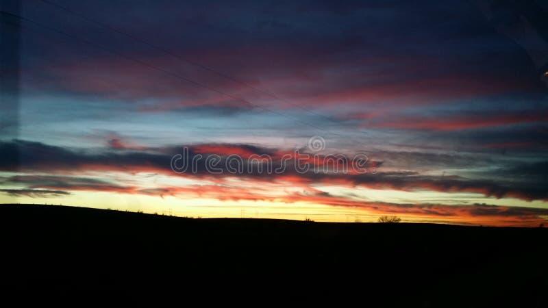 mörk solnedgång royaltyfria foton