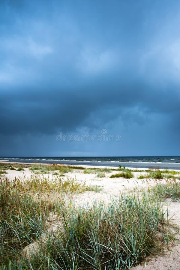 Mörkt baltiskt hav arkivfoto