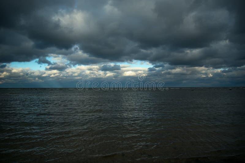 Mörkt baltiskt hav royaltyfria foton