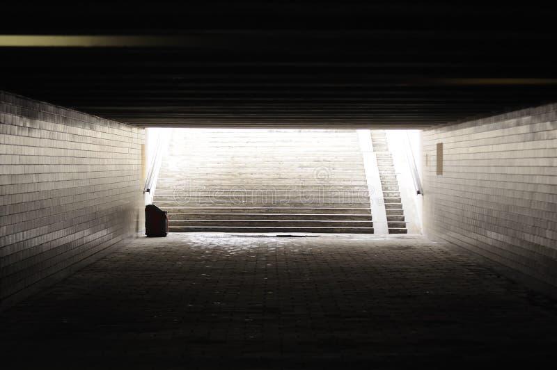 mörkt töm passagegångtunneltunnelbanan royaltyfri foto
