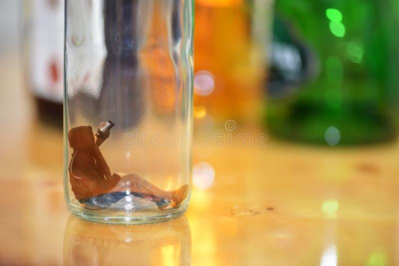 Mún hábito, alcoholismo Concepto fotos de archivo libres de regalías