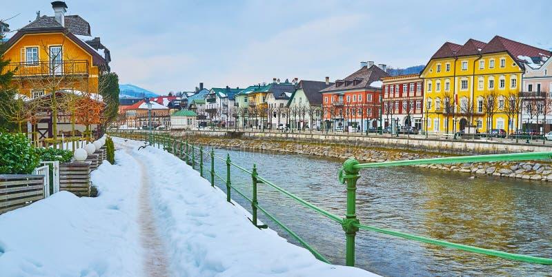 Mún Ischl en la nieve, Salzkammergut, Austria foto de archivo libre de regalías