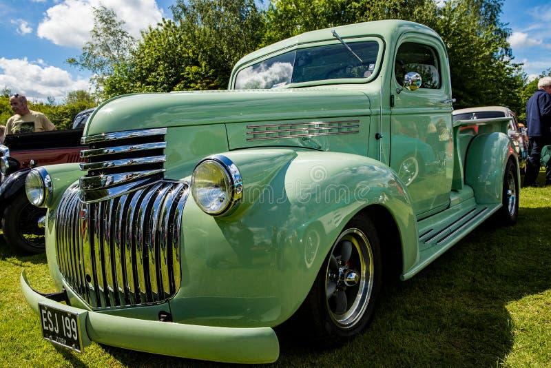 Músculo americano - caminhão clássico de Chevrolet foto de stock royalty free