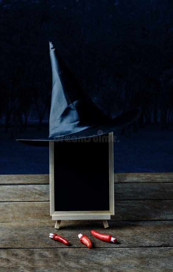 Música da noite Chapéu da bruxa, dedo, quadro no fl de madeira fotos de stock
