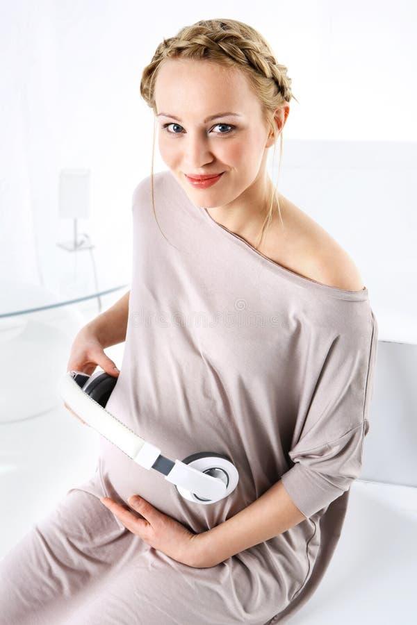 Música na gravidez foto de stock royalty free