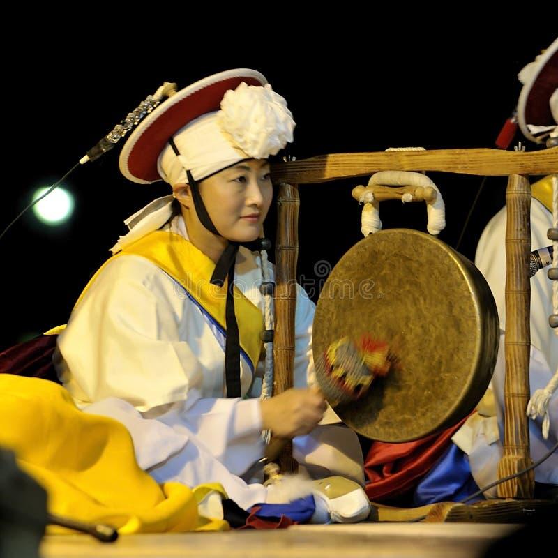 Músico corean del sur fotos de archivo
