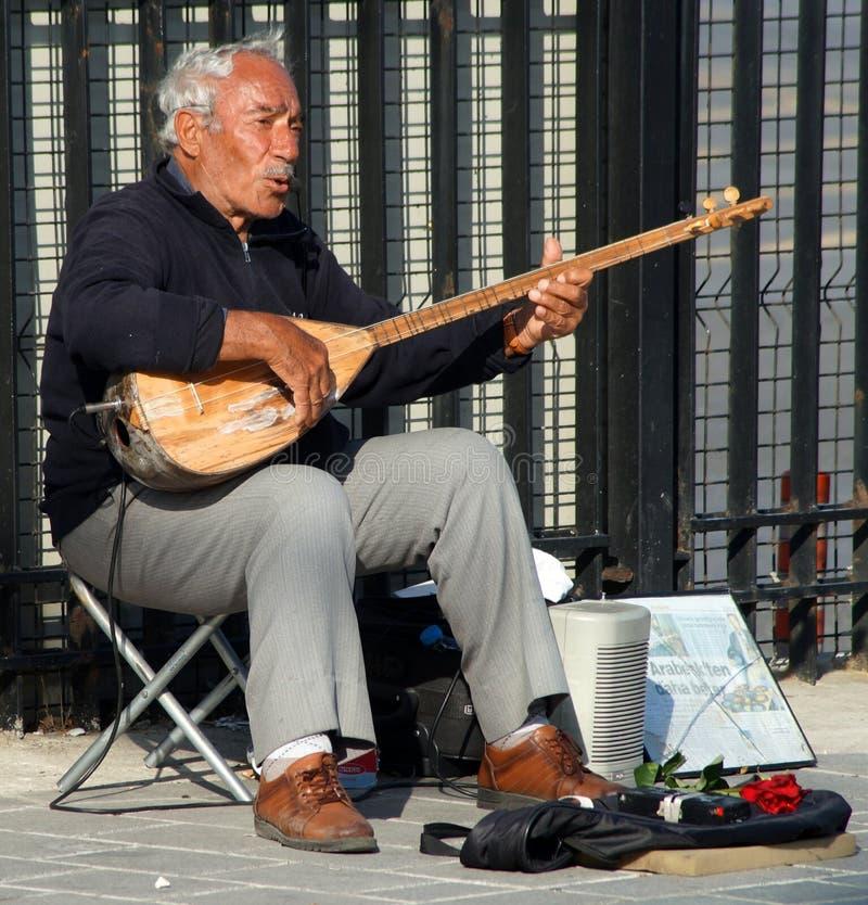 Músico de la calle en Estambul, Turquía fotografía de archivo