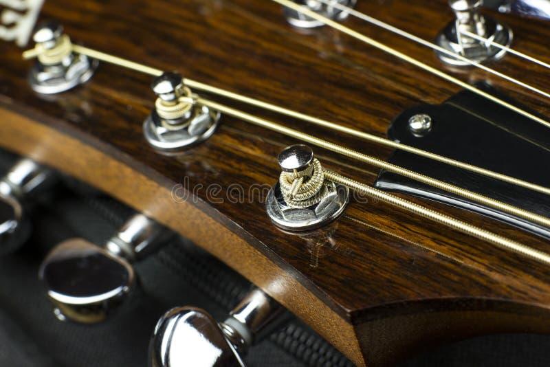 Músico del guitarrista de la música del juego de la vibración sana del arte de la creatividad del embutido del cierre del caso de fotografía de archivo