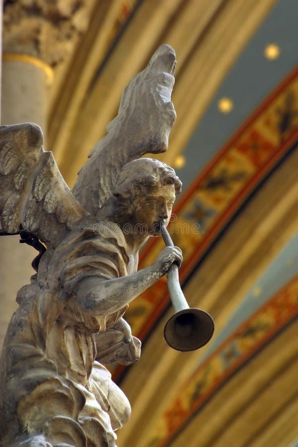 Músico do anjo fotografia de stock royalty free