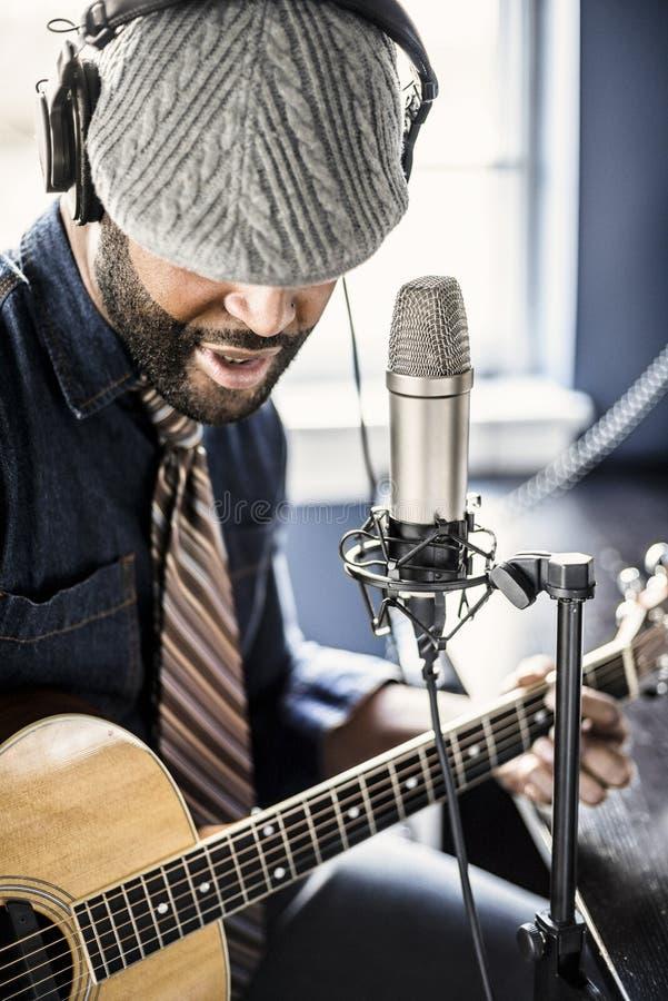 Músico Home Recording foto de archivo libre de regalías