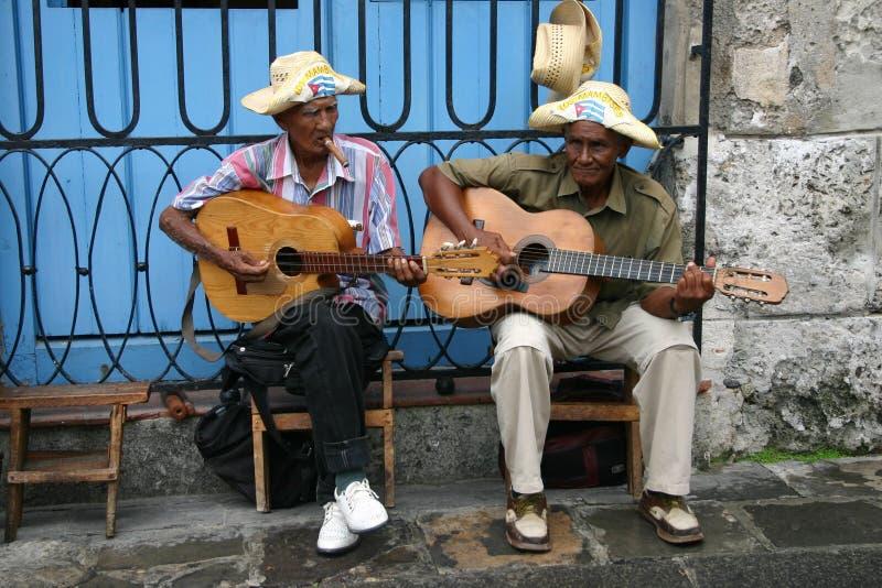 Músicos cubanos foto de archivo