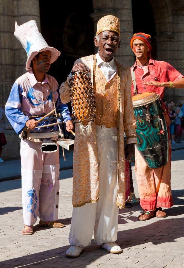 Músicos da rua em Havana velho fotos de stock