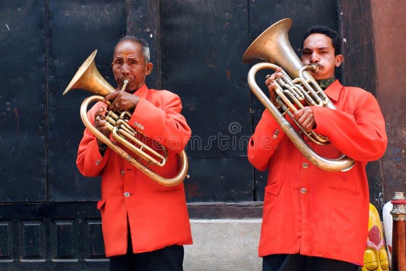 Músicos da rua, Nepal fotos de stock