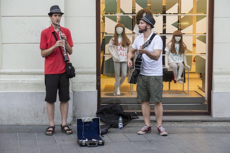 Músicos de la calle en Zagreb, Croacia fotografía de archivo
