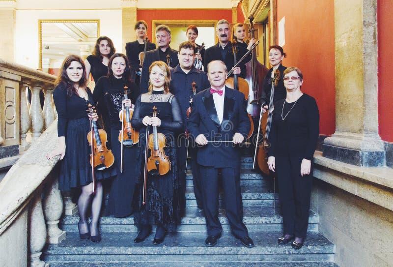 Músicos de Orpheus da orquestra de câmara foto de stock