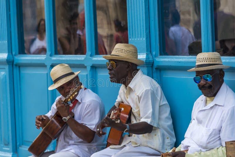 Músicos en La Habana, Cuba imágenes de archivo libres de regalías
