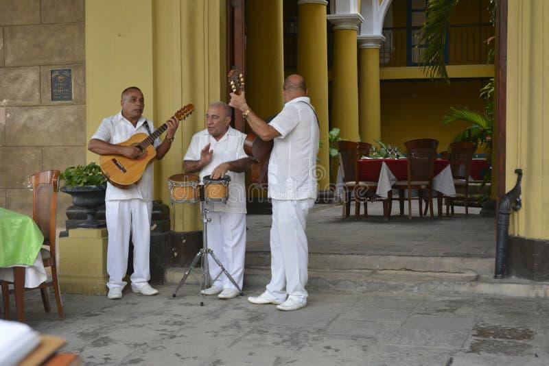 MÚSICOS IDOSOS DE CUBA HAVANA fotografia de stock