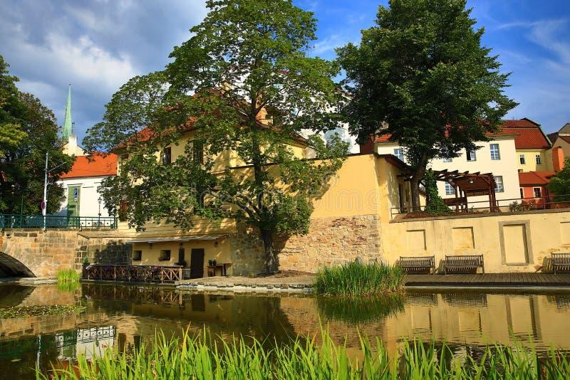 Mühlabzugsgraben (Tscheche: MlÃ-½ nskà ¡ strouha), alte Architektur, Pilsen, Tschechische Republik lizenzfreie stockfotos
