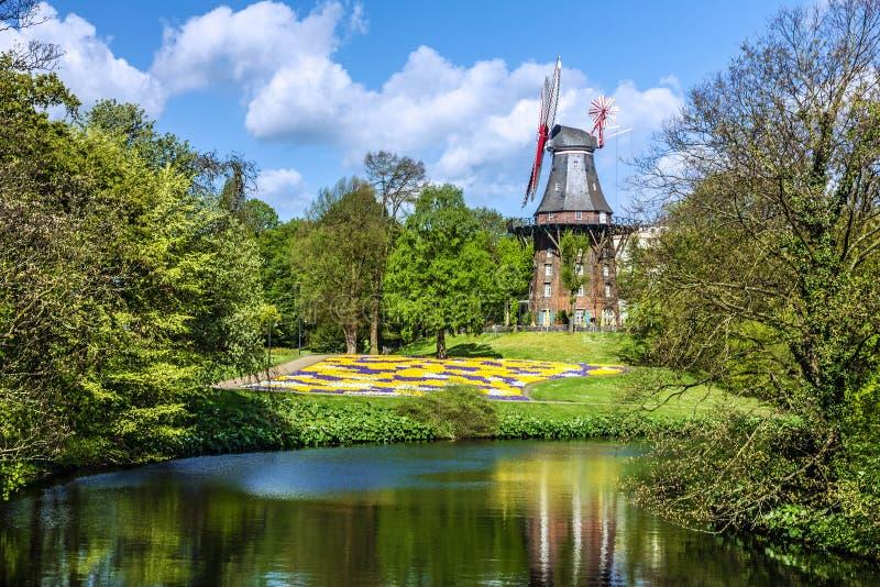 Mühle im Park, Bremen, Deutschland stockbild