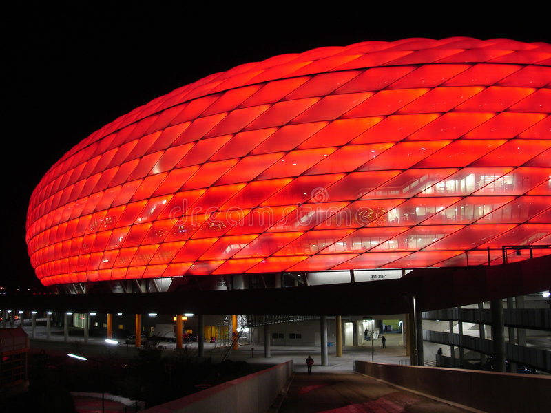 München-Arena - neues Fußballstadion stockfotos