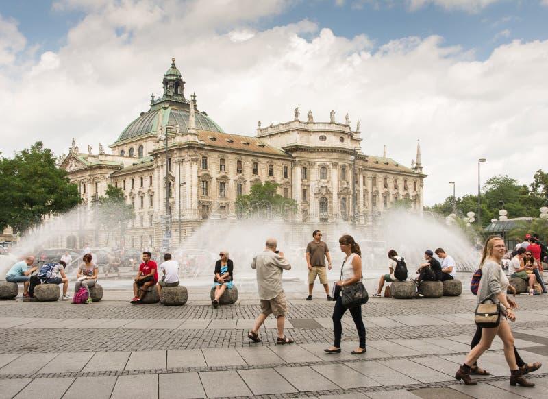 München-Brunnen lizenzfreie stockbilder