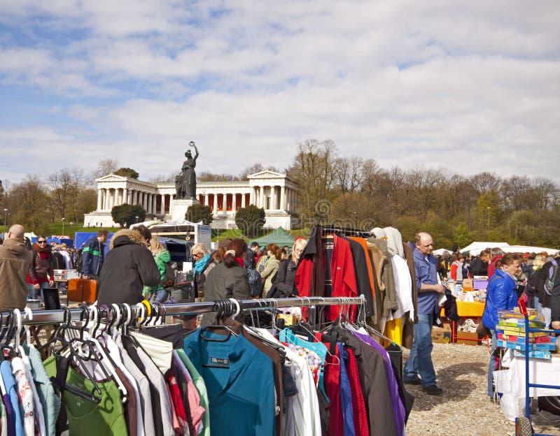München-Duitsland, openluchtvlooienmarkt stock foto's