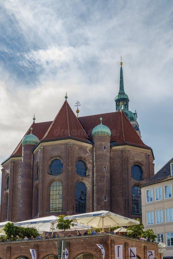 München, Duitsland 22 September, 2018: Weergeven aan de parochiekerk van stock foto's
