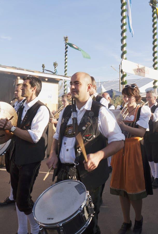 München, Oktoberfest - traditionele band royalty-vrije stock afbeeldingen