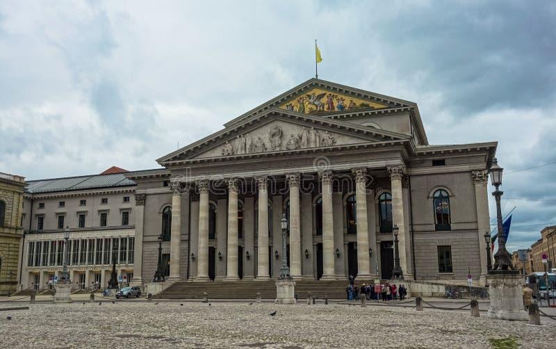 München-Opernhaus, Deutschland lizenzfreie stockbilder