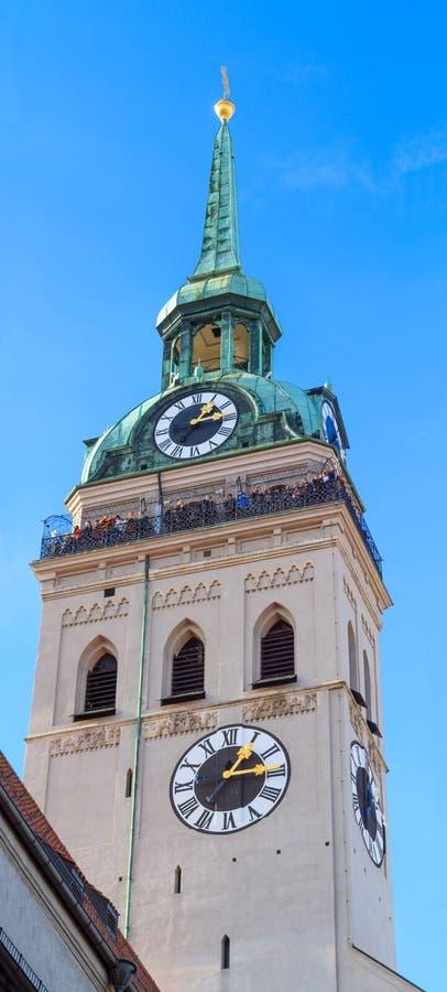 München, Toren van Heilige Peter Church, Beieren royalty-vrije stock afbeeldingen