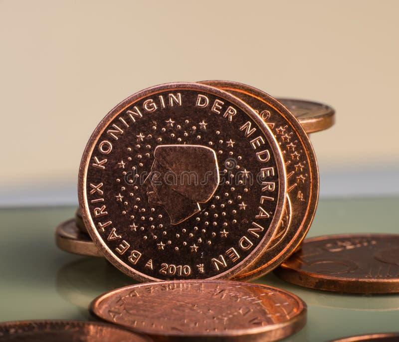 Münze wert zwei Cents ist auf Münzen Fokus auf Seil lizenzfreie stockfotografie