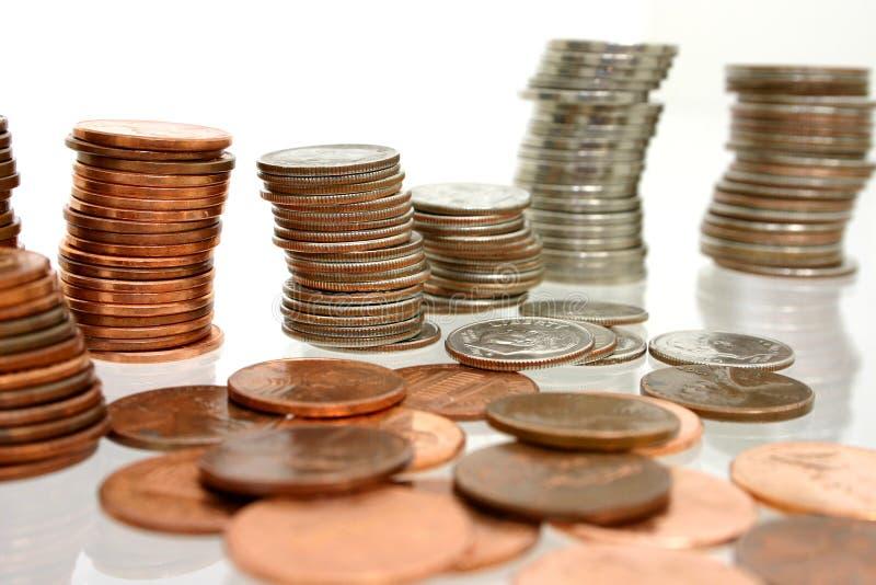 Münzen-Geld in den Stapeln lizenzfreie stockfotografie