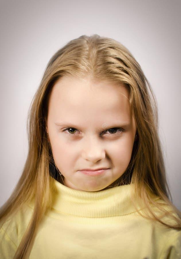 Mürrisches Mädchen stockbild