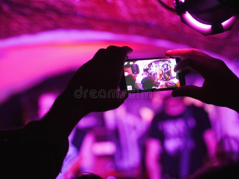 Mądrze telefonu koncert fotografia royalty free