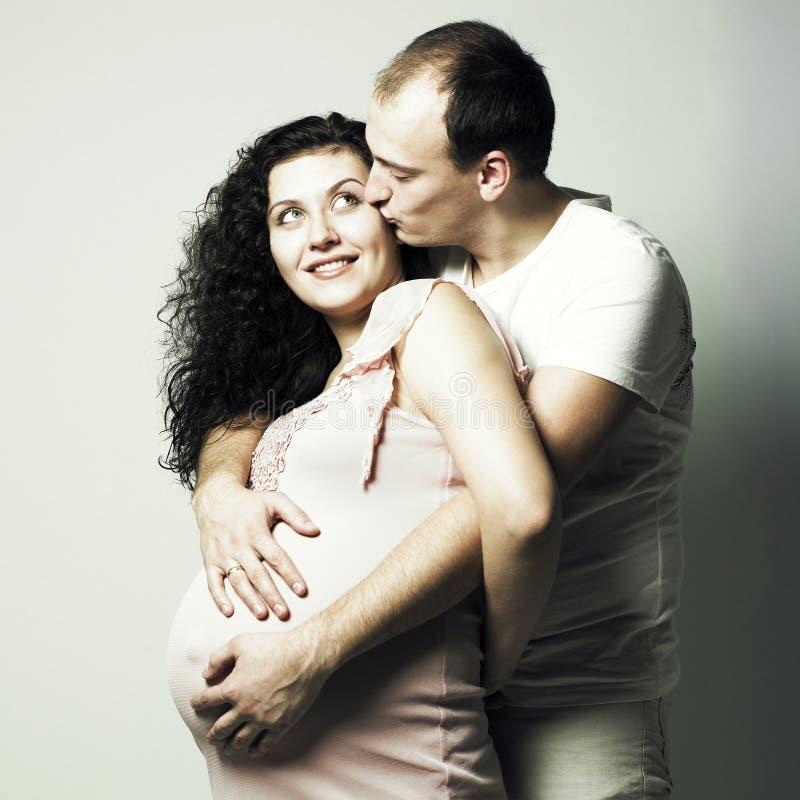 męża szczęśliwy kobieta w ciąży obrazy stock