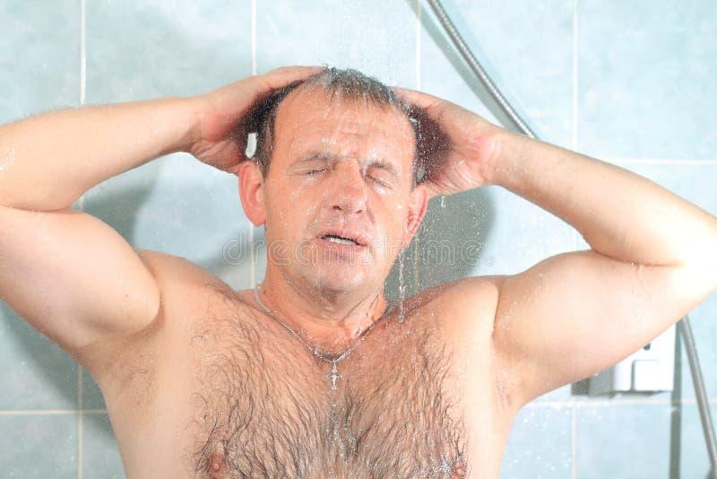 Mężczyźni w łazience fotografia stock