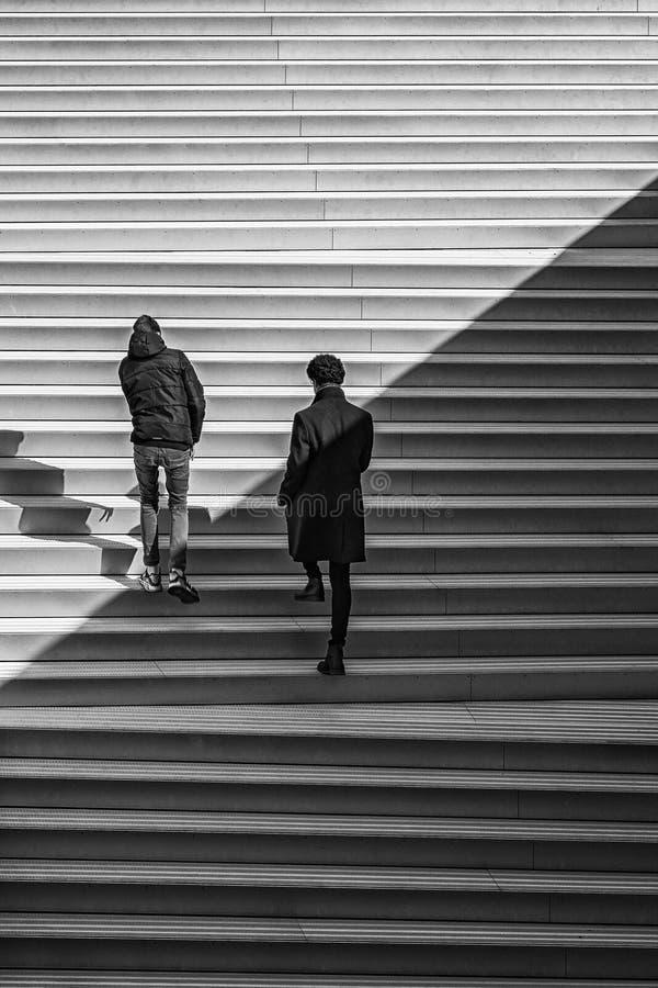 Mężczyźni Wspina się Helsingor muzeum Morskich kroki zdjęcie royalty free