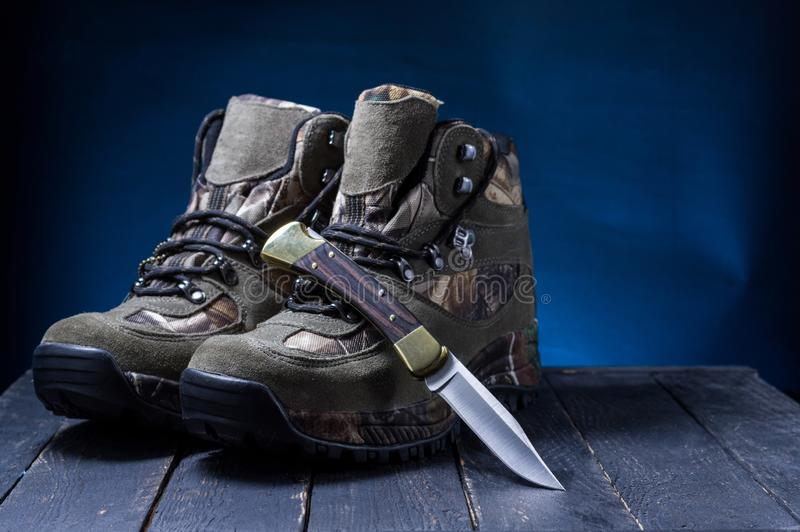 Mężczyzn buty dla tropić Mężczyzny polowania buty obraz royalty free