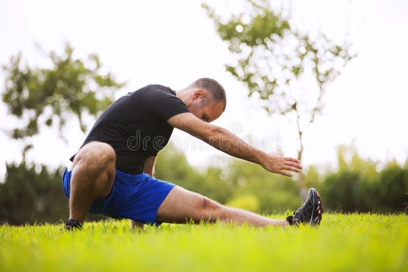Mężczyzna ćwiczenie zdjęcia stock