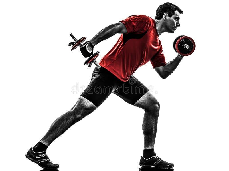 Mężczyzna ćwiczy ciężar stażową sylwetkę zdjęcie royalty free