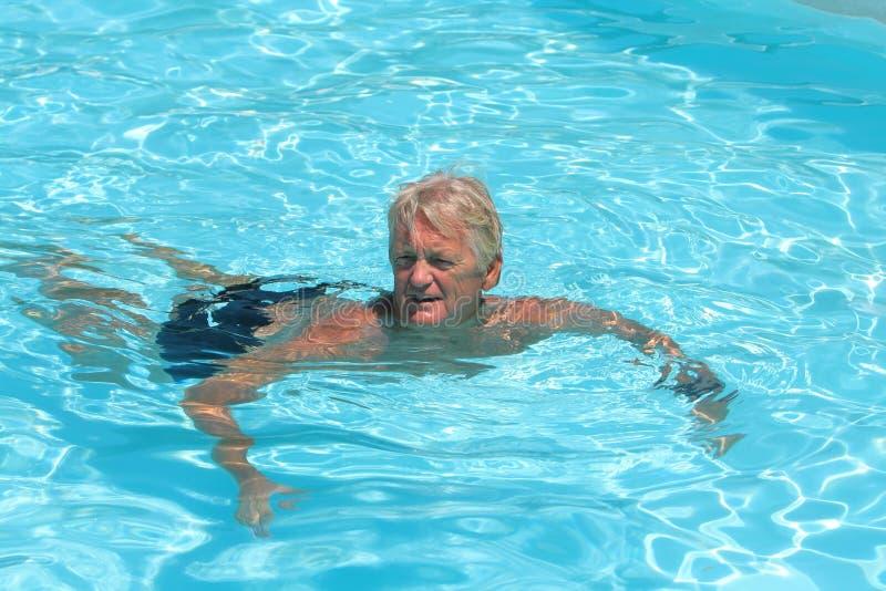 mężczyzna basen obrazy stock