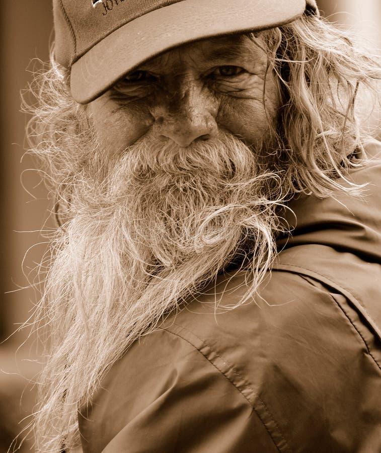 mężczyzna bezdomny portret obrazy stock