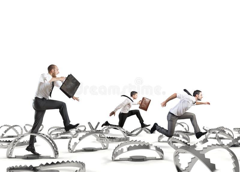Mężczyzna biegający w tysiąc szykanach zdjęcia stock