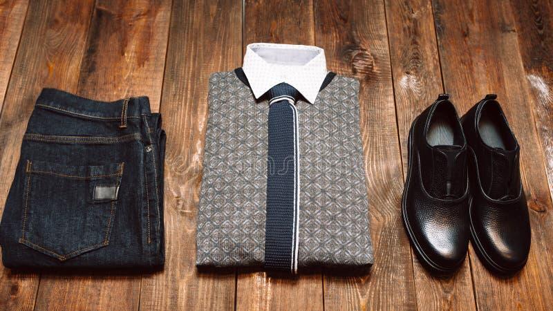 Mężczyzna biurowa zima odziewa w przypadkowym stylu zdjęcia stock